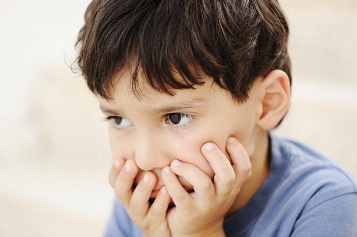 Description: Hãy xem xét nguyên nhân trẻ nhút nhát